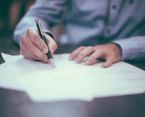 Signing a Factoring Contract